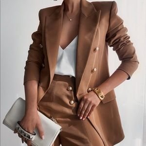 Zara blazer plus shorts  bloggers fav